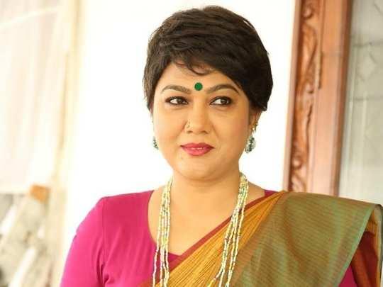 Hema: MAA ఎన్నికల బరిలో హేమ.. మనకెందుకులే అనుకున్నా కానీ! సీనియర్ నటి ఓపెన్ కామెంట్స్ - senior actress hema participating in maa president elections   Samayam Telugu