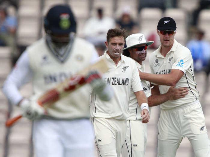 India 2nd Innings Highlights: कीवी पेस बैटरी के आगे विराट के धुरंधर फेल, दूसरी पारी में बना सके सिर्फ 170 रन
