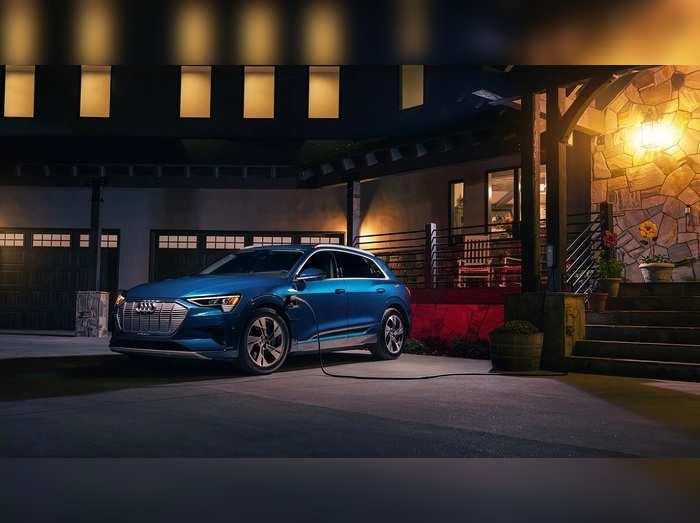 2021 Audi e-tron इस दिन होगी भारत में लॉन्च, सिंगल चार्ज पर चलेगी 452 किलोमीटर