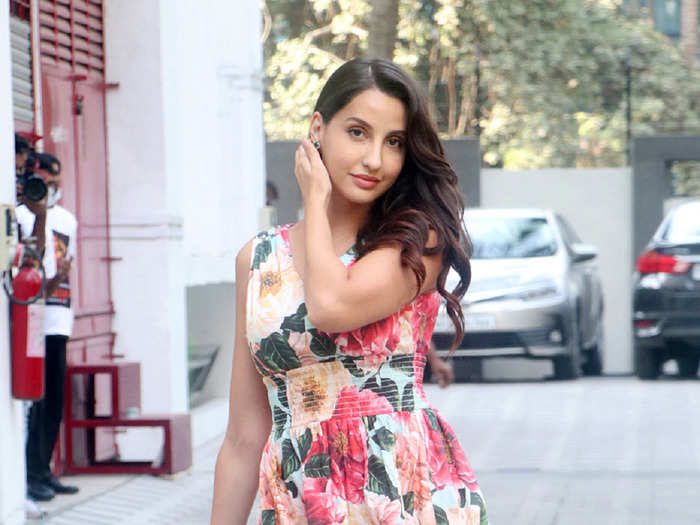 when nora fatehi rocks the corset gown better than sonam kapoor