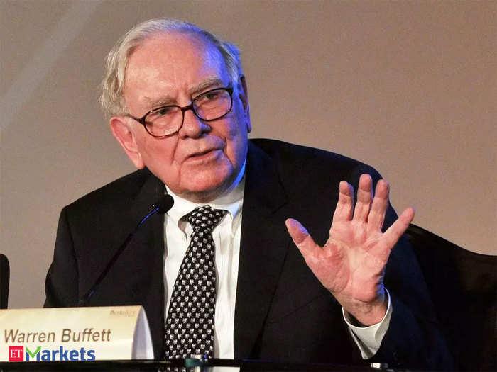 warren buffett resigns