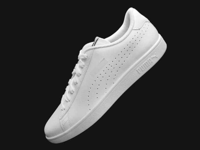 Sneakers For Men: 75% तक की छूट पर खरीदें Converse, Puma और Red Tape के स्टाइलिश Men's Sneakers