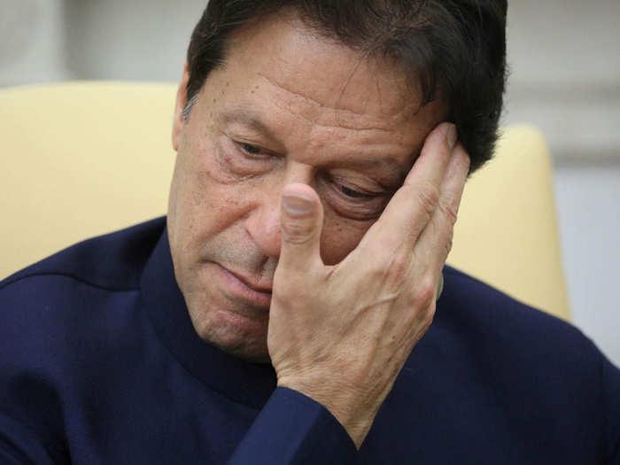 पाकिस्तान को झटका