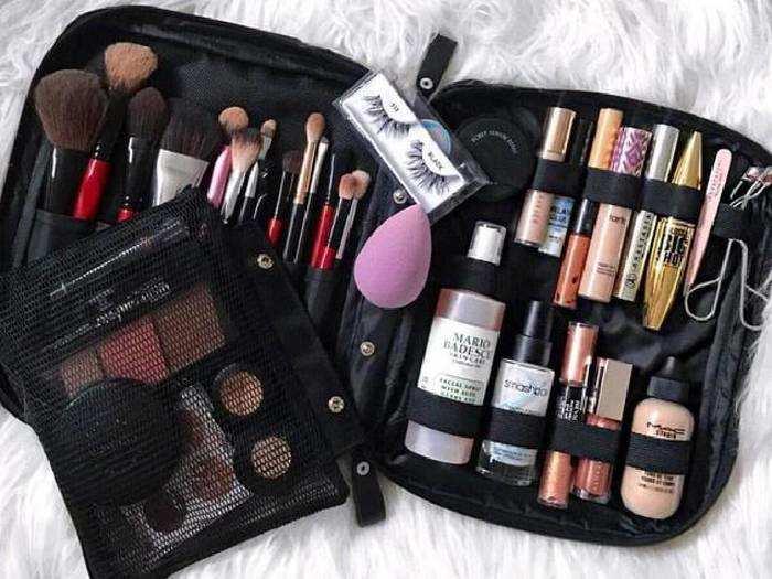 Professional Makeup For Women : इन Makeup Kit से खूबसूरत दिखना होगा आसान, खरीदें भारी छूट पर