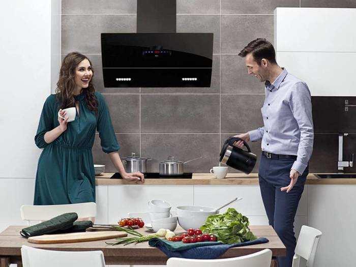 Chimney : किचन को स्मोक और एक्स्ट्रा तेल बाहर करके हवा को फ्रेश रखने में मददगार हैं ये Kitchen Chimney