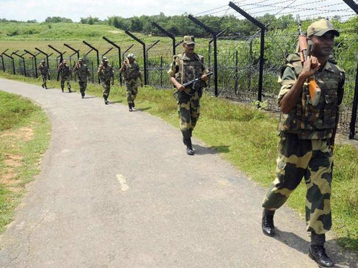 BSF Jobs 2021: सीमा सुरक्षा दलात १७० पदांवर भरती प्रक्रिया