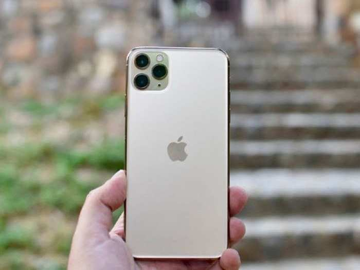 Discount offers on Apple iPhone 11 Series smartphones Amazon