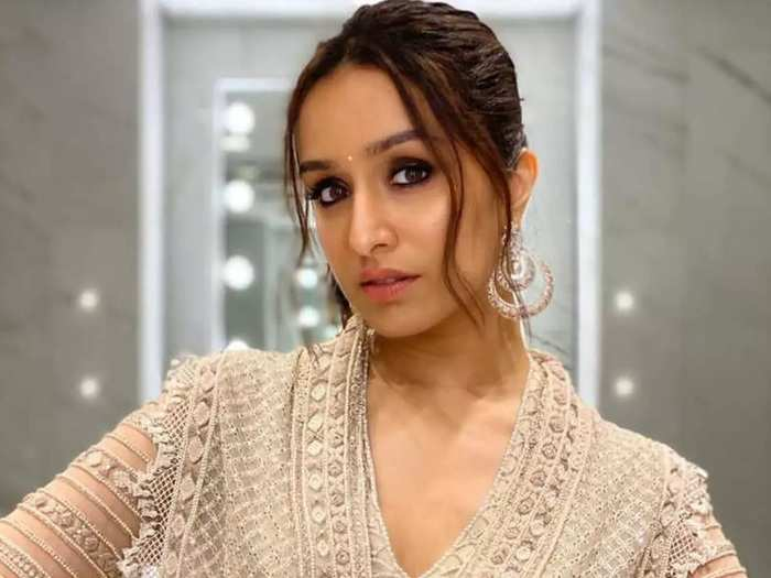 shraddha kapoor hot and bold photoshoot for magazine and her boyfriend did this photoshoot