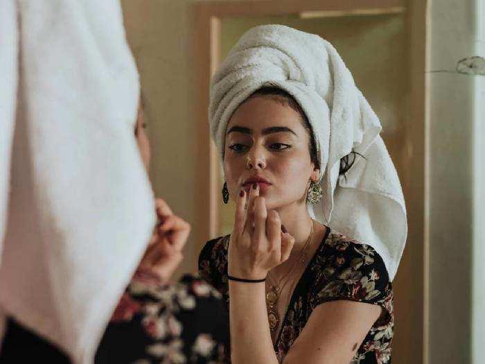 बेजान त्वचा और डल स्किन से हैं परेशान, तो इन Face Mask का इस्तेमाल हो सकता है फायदेमंद