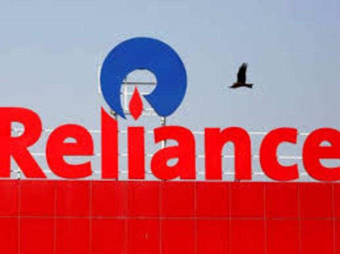 रिलायंस इंडस्ट्रीज देश की सबसे मूल्यवान कंपनी है।