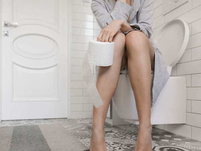 how many times a day is it normal to urinate or pee and what to do if you have to go more or less often