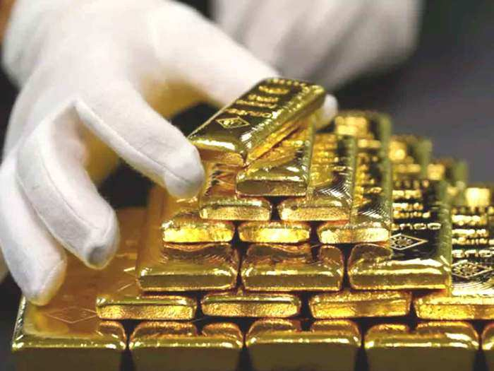gold price today surge: gold price rise rs. 100, silver declines marginally