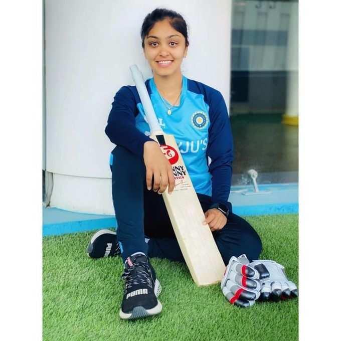 face pack for instant glow: ग्लॅमरस अभिनेत्रींवर भारी पडतीये 'ही' हॉट-सेक्सी भारतीय क्रिकेटपटू, सोशल मीडियावरही तुफान व्हायरल!