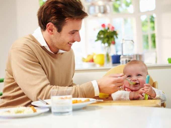 1 year baby diet: १ वर्षाच्या मुलांना आठवडाभर द्या 'हे' खास खाद्यपदार्थ, उंची व वजन वाढीला लागणार नाही ब्रेक