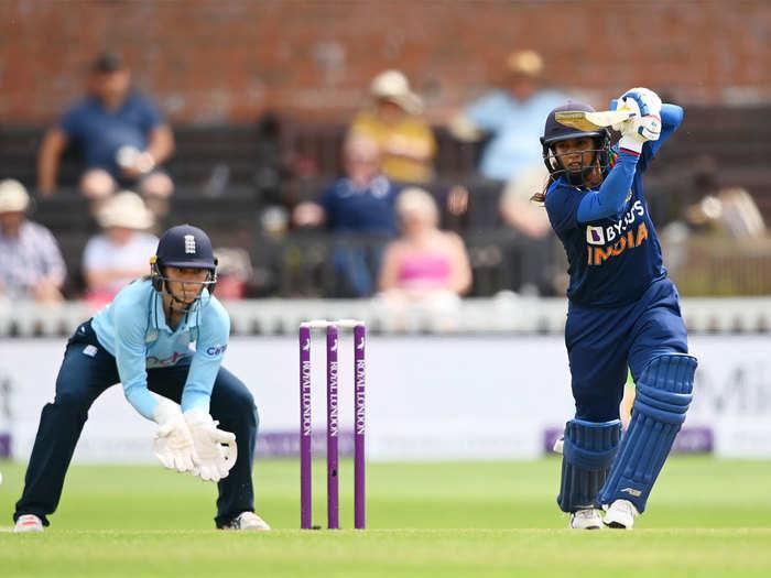 INDW vs ENGW 3rd ODI Highlights: कप्तान मिताली राज की रेकॉर्ड पारी, आखिरी वनडे में भारतीय महिलाओं की इंग्लैंड पर रोमांचक जीत