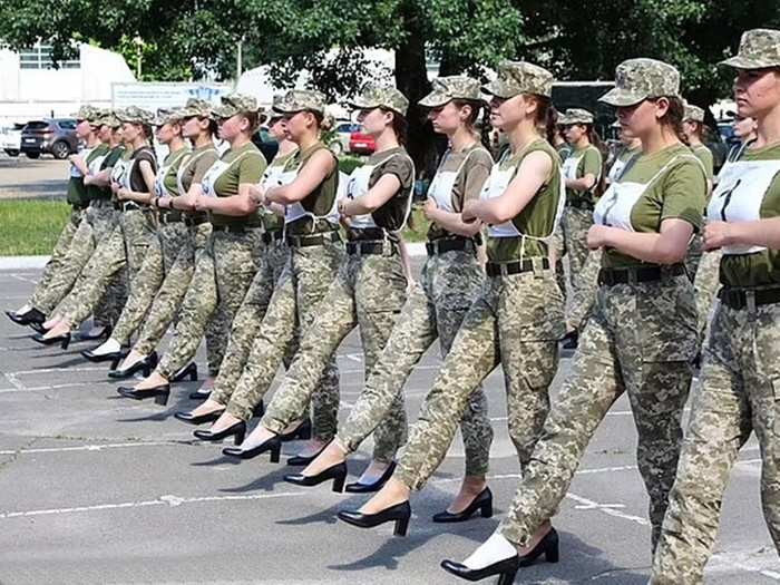 ukraine female soldiers are forced to march in high heels spark outrage on sexism, photos