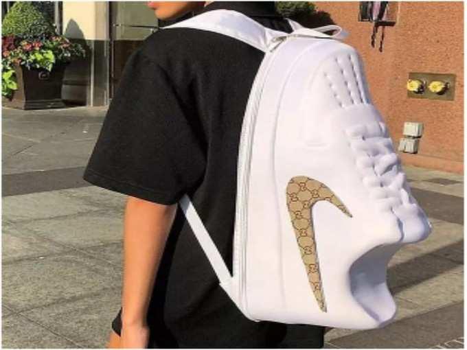 बैग है या जूता?
