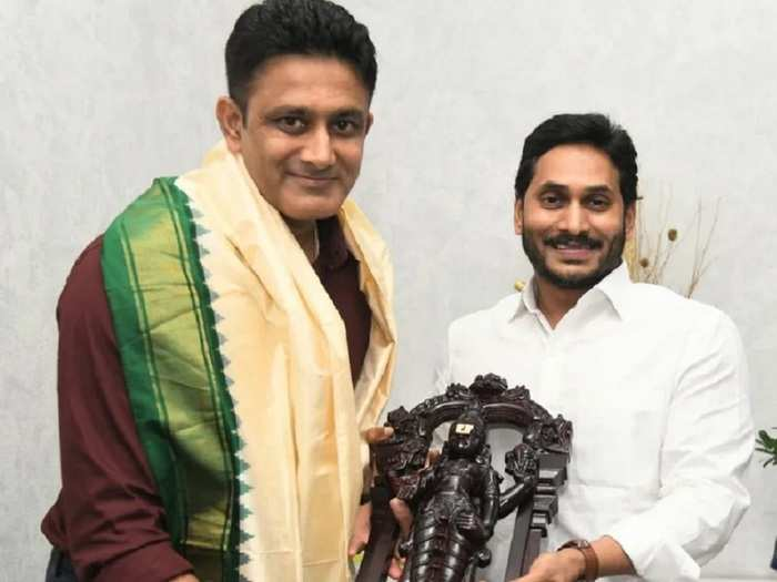 Anil Kumble and YS Jagan Mohan Reddy