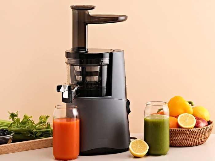 Juicers : इन Cold Press Juicers से निकालें ताजे फल और सब्जियों का जूस, मौजूद रहेंगे सभी एंजाइम, विटामिन और मिनरल रहेंगे इन्टैक्ट