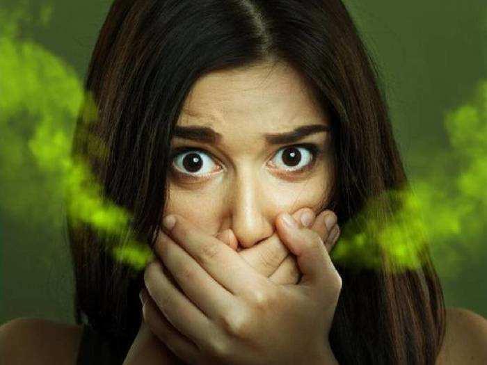 Oral Care : सांसों की दुर्गंध से हो सकती है शर्मिंदगी, फ्रेश और ताजा सांसों के लिए अपनाएं ये तरीके