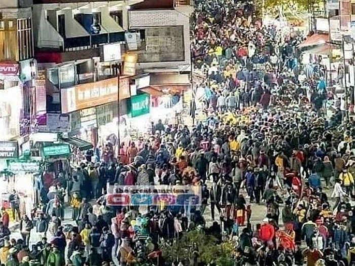मनाली में पर्यटकों की भीड़