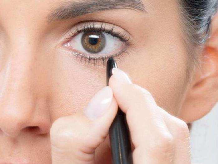 Eye Makeup For Women : आंखों को बोल्ड लुक देने के लिए लगाएं ये डार्क काजल, पाएं इंटेंस और अट्रैक्टिव लुक