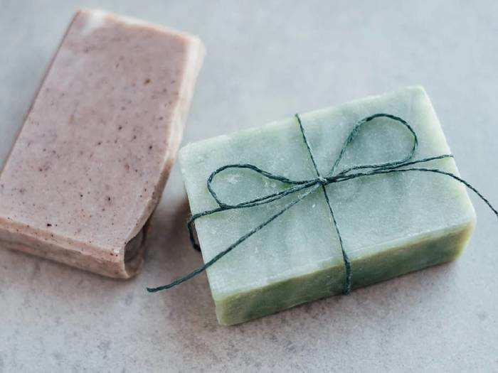 Natural Soap : स्किन को हेल्दी, सॉफ्ट और चमकदार बनाने के लिए यह Handmade Soap हैं बेस्ट