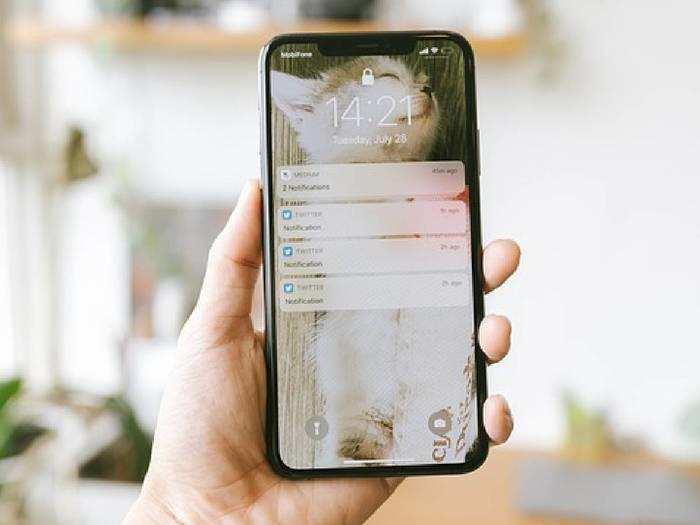 Budget Friendly Smartphones : बजट फ्रेंडली स्मार्टफोन में मिलेंगे अपग्रेडेड लेटस्ट फीचर, कीमत 10,000 रुपए से भी कम T124141.712