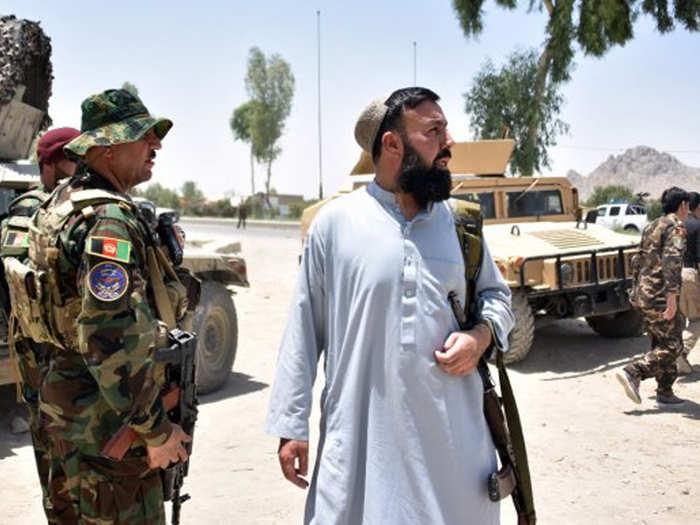 कंधार की ओर बढ़ा तालिबान