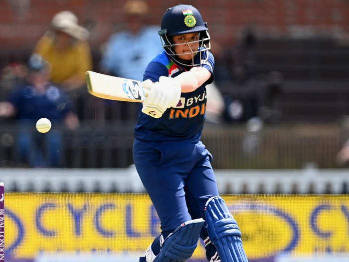 Shafali Verma vs Katherine Brunt: कैथरीन ब्रंट ने पिछले मैच में किया था शून्य पर आउट, शेफाली ने लगातार 5 चौके जड़ते हुए लिया बदला