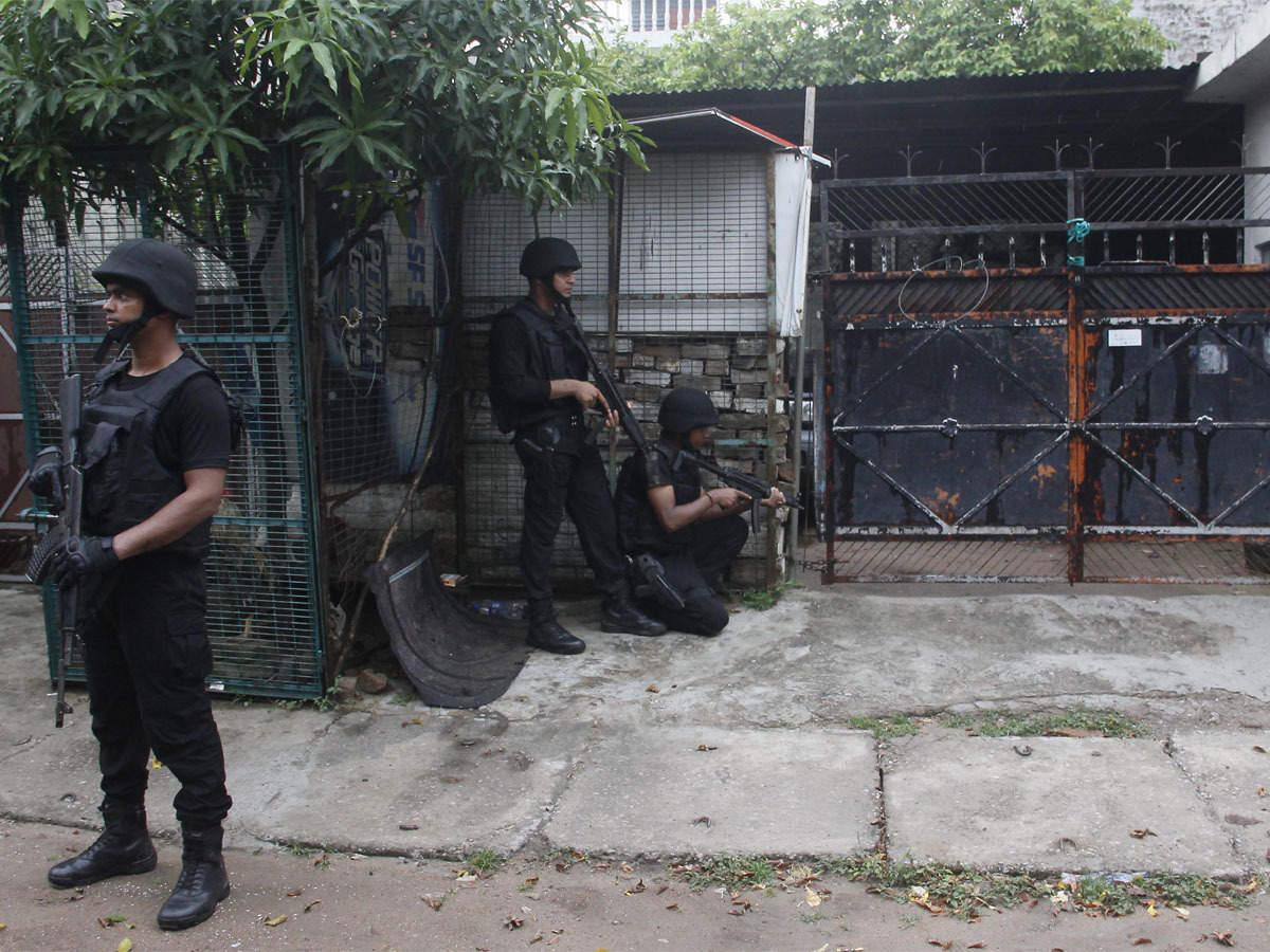 lucknow al queda terrorists arrest: Lucknow Terrorist Caught: रक्षा  प्रतिष्ठान, धार्मिक स्थल और सीरियल अटैक का प्लान...ATS ने उठाए लखनऊ से  गिरफ्तार आतंकियों से जुड़े कई ...