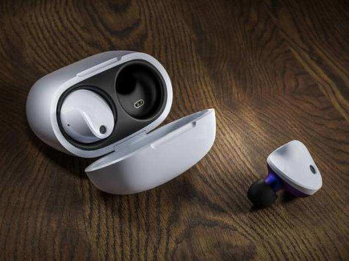Top 5 Earbuds : इन Earbuds में मिलेगा जबरदस्त साउंड और बेस क्वालिटी, देखें इनके लेटेस्ट फीचर