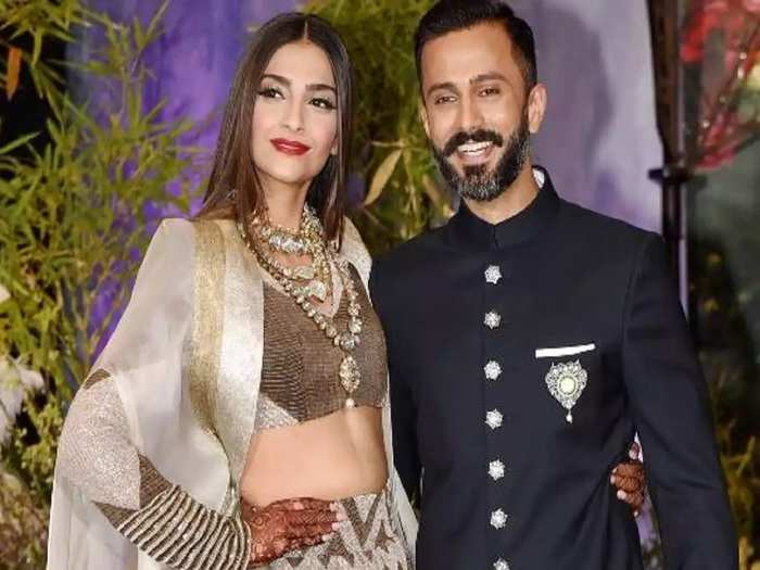 bollywood celebrity couples who chose to get married at home
