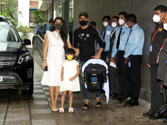 Geeta Basra With Family