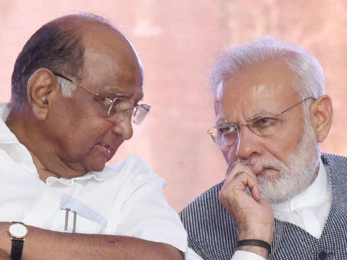शरद पवार आणि पंतप्रधान नरेंद्र मोदी
