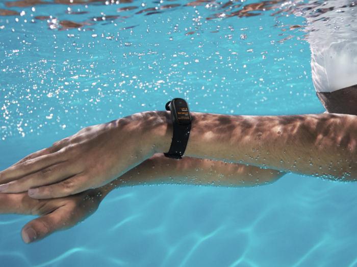10 water resistant fitness bands