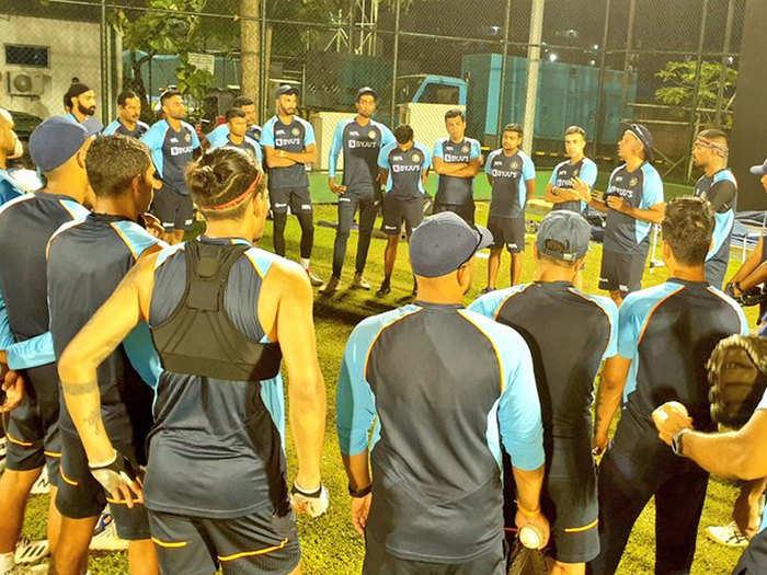 IND vs SL: टीम इंडिया ने कृत्रिम रोशनी में बहाया पसीना, ऐसा रहा प्रैक्टिस का माहौल