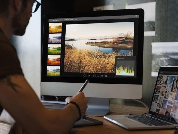 man-editing-photos-computer