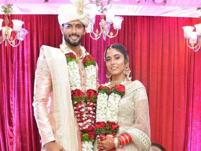 Shivam Dube Marriage: क्रिकेटर शिवम दुबे ने की शादी, वाइफ अजुम खान संग दुआ मांगते आए नजर