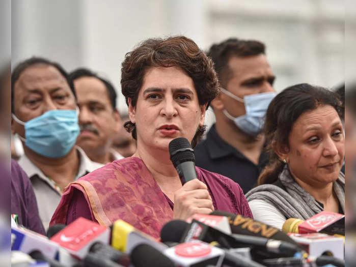Lucknow: AICC General Secretary Priyanka Gandhi Vadra addresses a press conferen...