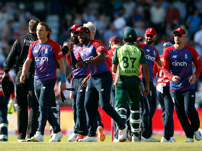 ENG vs PAK 2nd T20: इंग्लैंड ने पाकिस्तान को दूसरे टी20 मैच हराकर सीरीज बराबर की