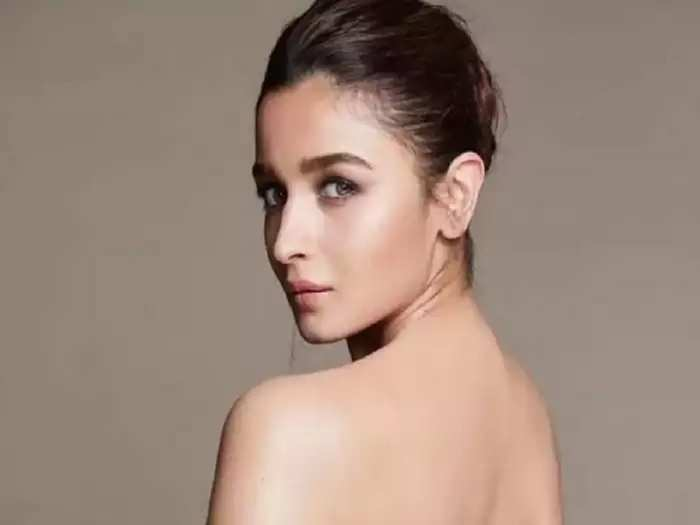 bollywood actress alia bhatt looking hot and bold in black colour sequinned mini dress in karan johar part