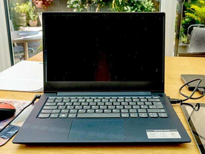 लेटेस्ट प्रोसेसर के साथ आपको प्रोडक्टिव बनाए रखते हैं ये Renewed Laptop
