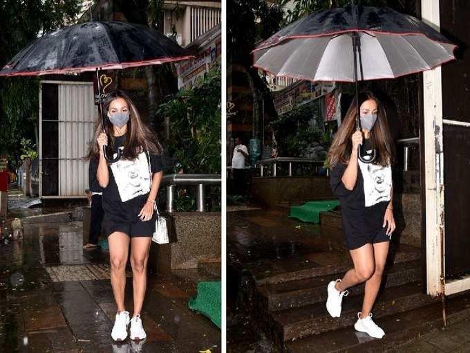 बारिश के मौसम में इतनी हॉट बनकर निकलीं मलाइका अरोड़ा कि लोग बार-बार देख रहे तस्वीरें
