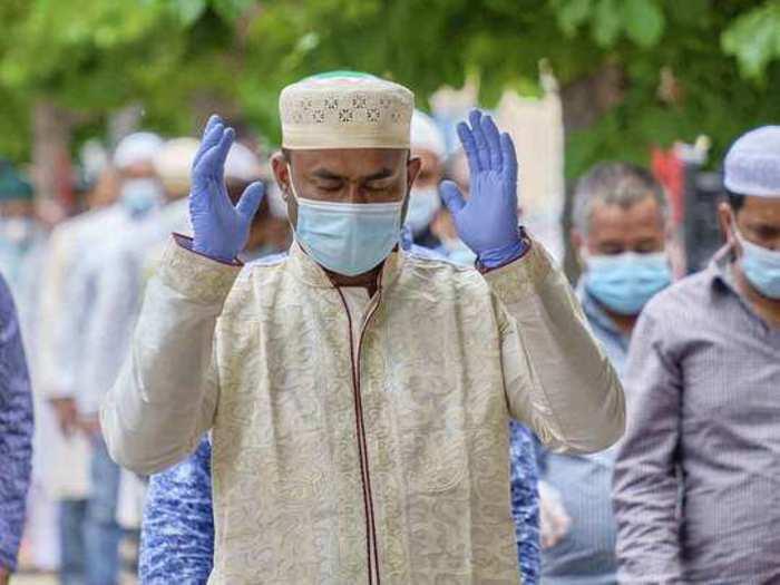 Bakra Eid 2021 : कल मनाया जाएगा ईद-उल-अज़हा, जानिए चाश्त की नमाज का समय, मुस्लिम गुरुओं ने कहा- रखे कोविड प्रोटोकॉल का खयाल