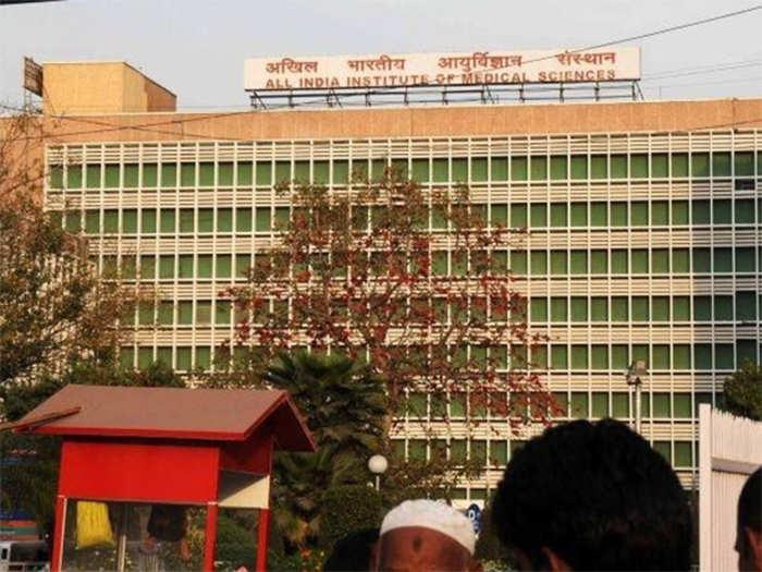 india sees first bird flu death as boy succumbs in aiims