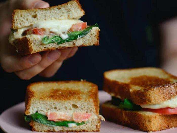 इन Sandwich Maker से घर पर ही बनाएं टेस्टी और क्रिस्पी सैंडविच, पाएं कई प्रीसेट हीटिंग ऑप्शन