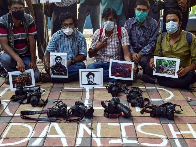 Kolkata_ Photographers pay tribute to Pulitzer prize-winning photographer Danish... (1).