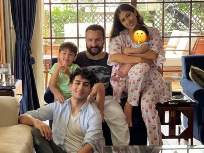 Sara Ali Khan Family Picture