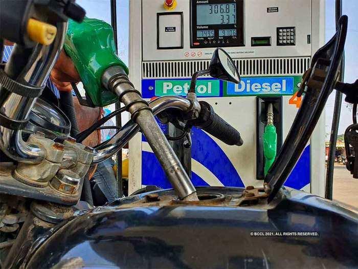 लगातार छठे दिन पेट्रोल डीजल के दाम में तब्दीली नहीं (File Photo)